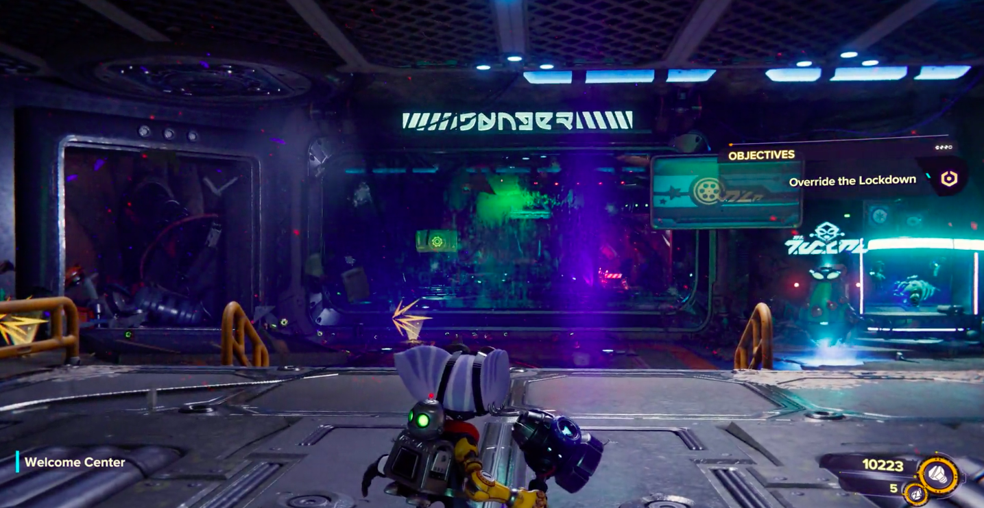 mini boss fight image from Ratchet & Clank: Rift Apart