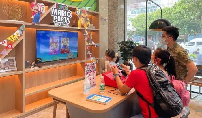 Nintendo-Switch-Ikea-890x520-min-700x409